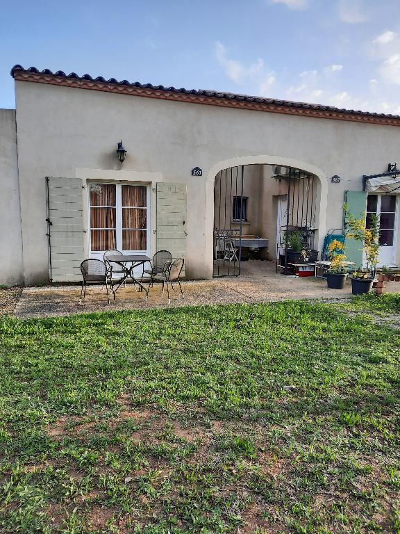 EXCLUSIF  : Villa meublée , type 3 de 45 m2 avec jardin et parking
