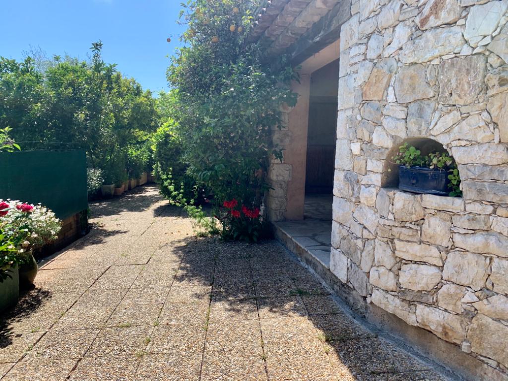 Magagnosc REZ-DE-JARDIN 4 pièces avec jardinet privatif