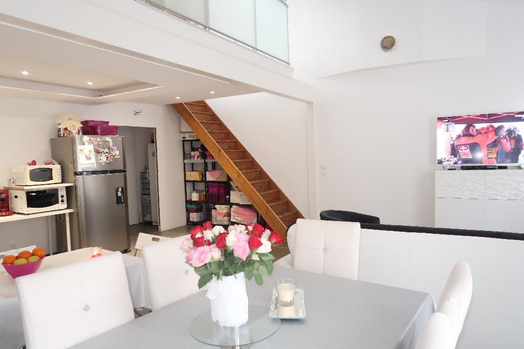 Secteur Ambérieu-en-Bugey, bel Appartement T4 duplex de 79 m2 avec terrasse