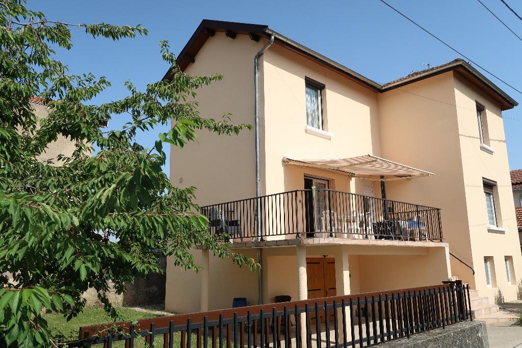 AMBERIEU EN BUGEY - MAISON DE VILLE T4 sur 400 m² de terrain