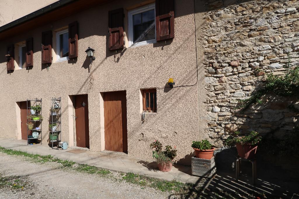 15 min de Lagnieu - Maison de village - 70 m²