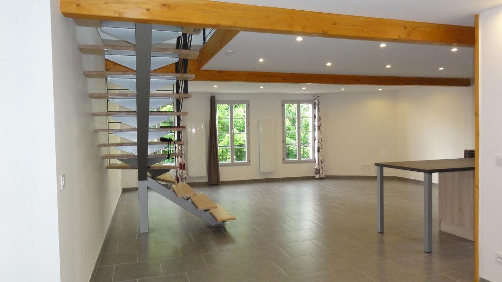 AMBRONAY - maison de village T5 de 130 m² avec garage