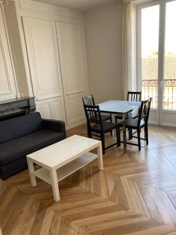 LAGNIEU - T2 MEUBLE de 37 m² avec balcon