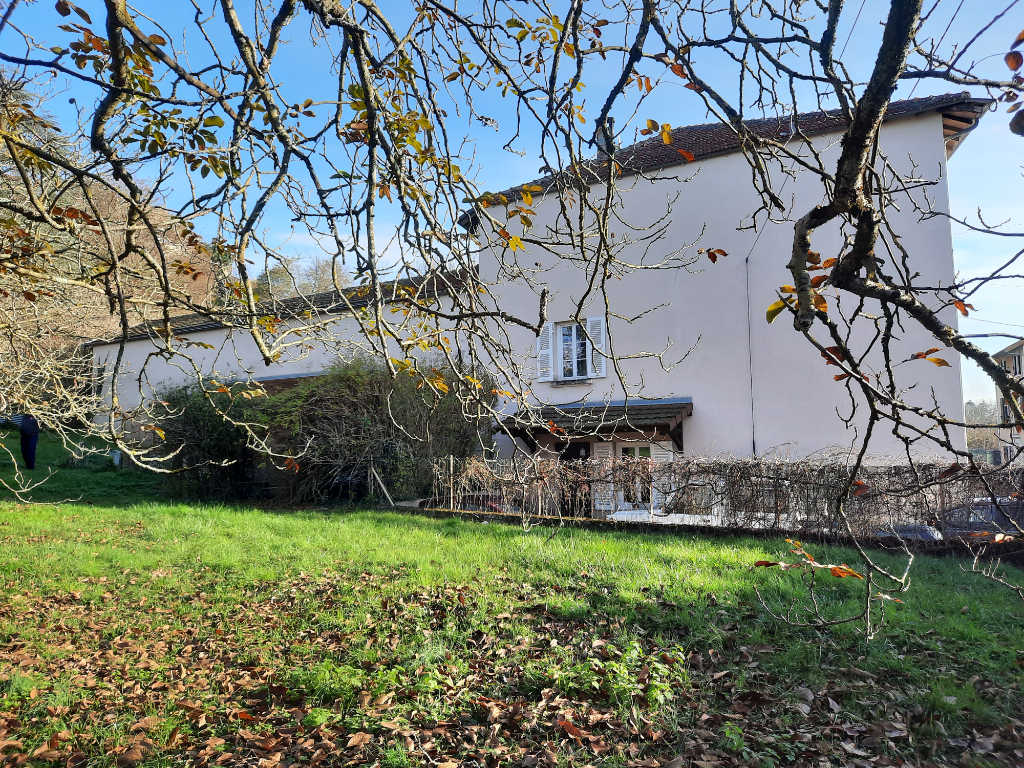 Maison Perouges 5 pièce(s) 150 m2
