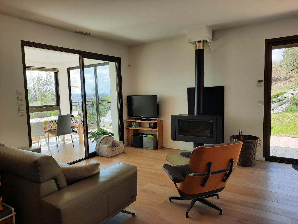 BELIGNEUX - Maison T6 de 140 m²  sur son terrain de 1 000 m²