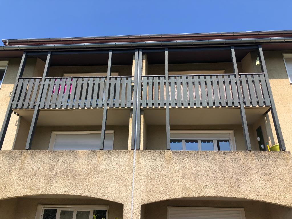 AMBERIEU EN BUGEY - Appartement T3 de 80 m² avec terrasse, cave et garage