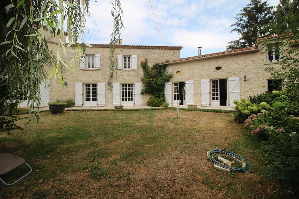 Sud Charente Maison 380 m²