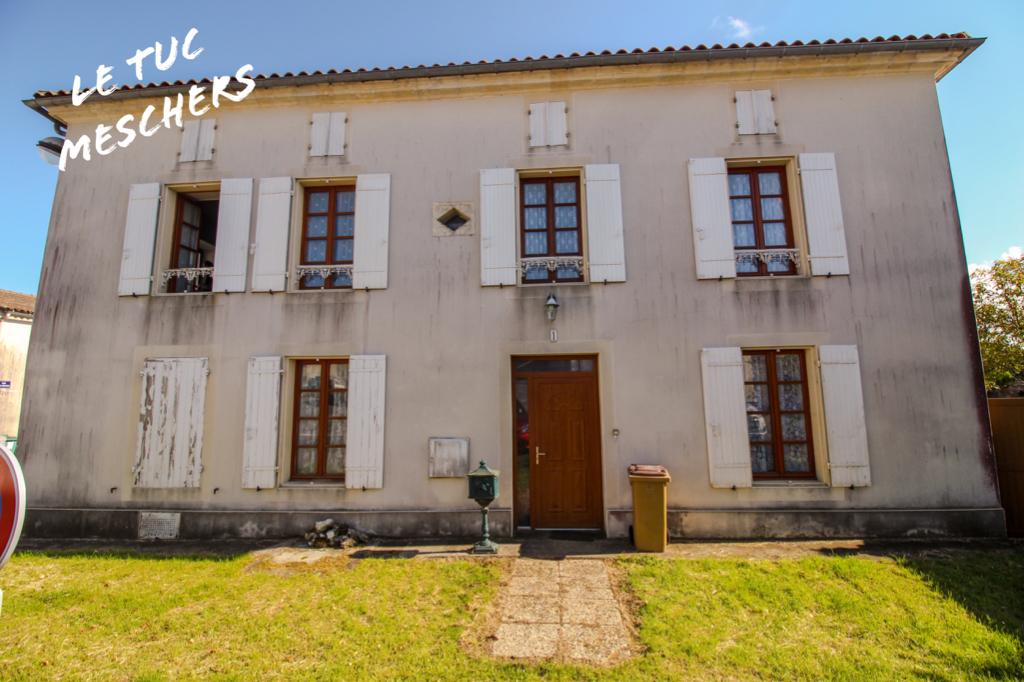 Mortagne sur Gironde Maison 190 m2 environ