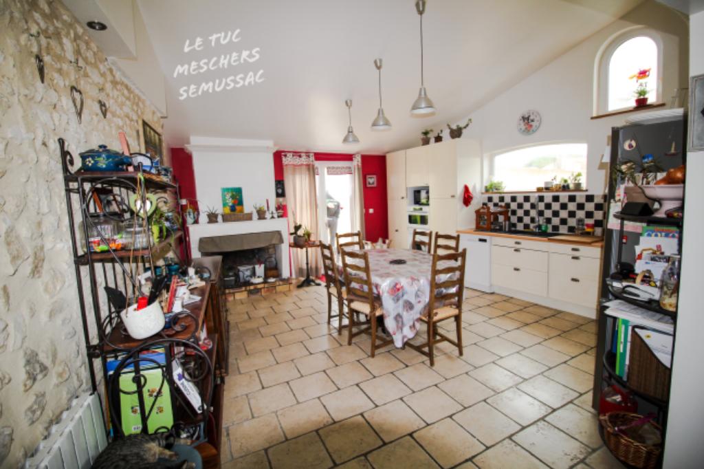 Meschers sur Gironde Maison 140 m2 environ