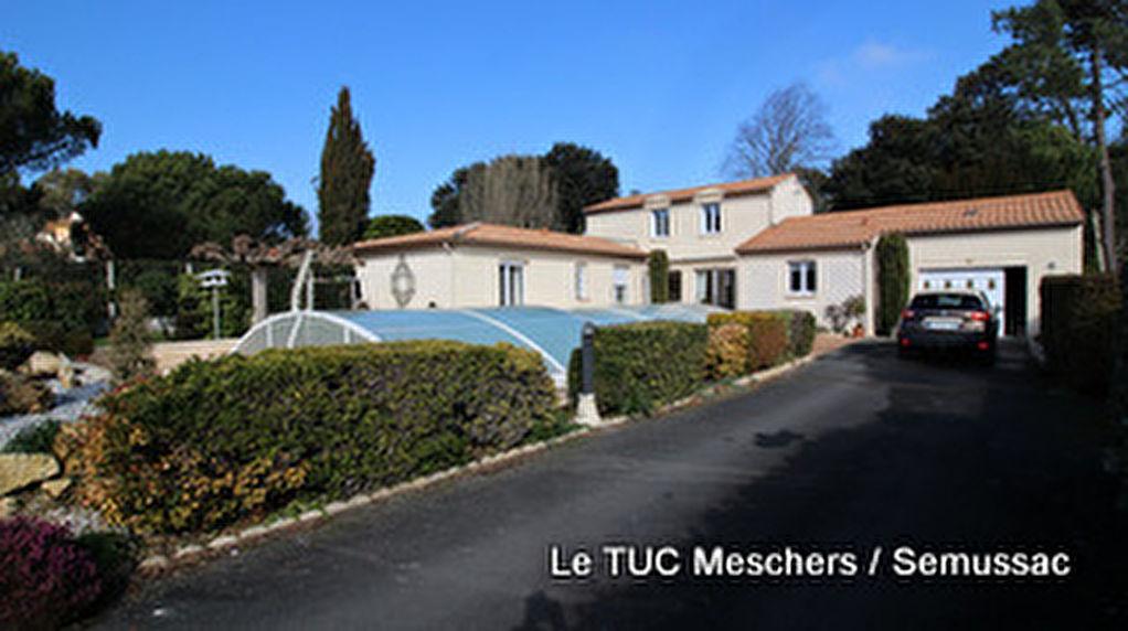 Meschers  sur Gironde maison 200 m2
