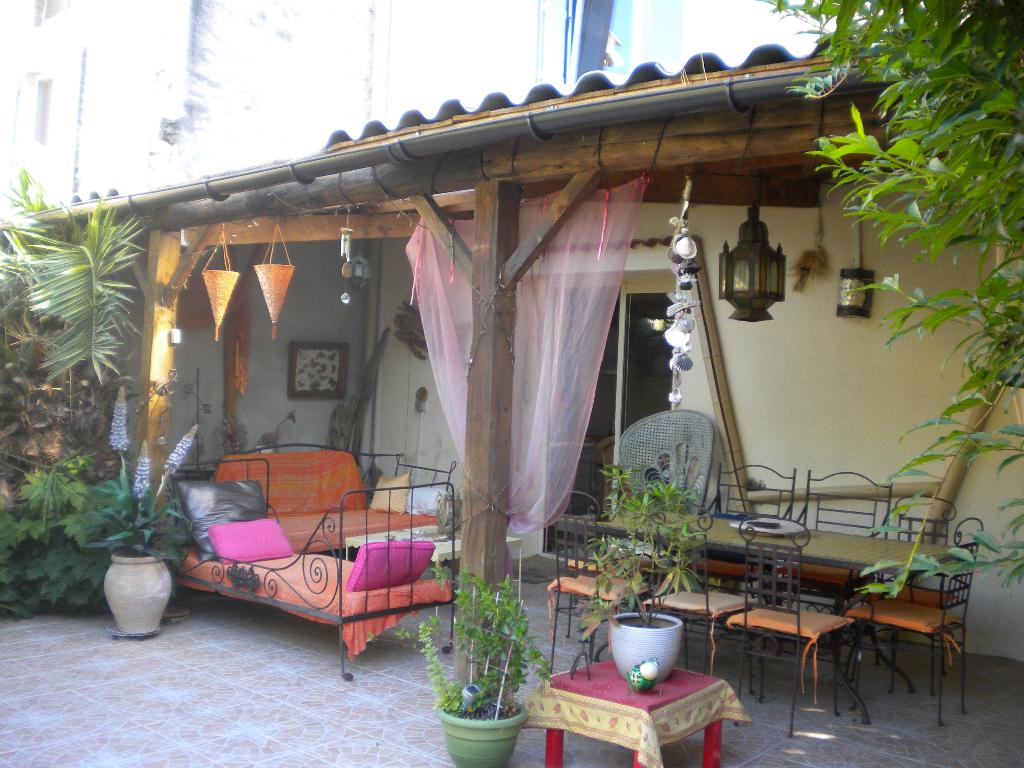 Maison Mondragon 6 pièce(s) 166 m2