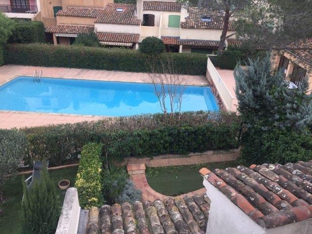 Maison St-Raphaël secteur Les Plaines avec piscine