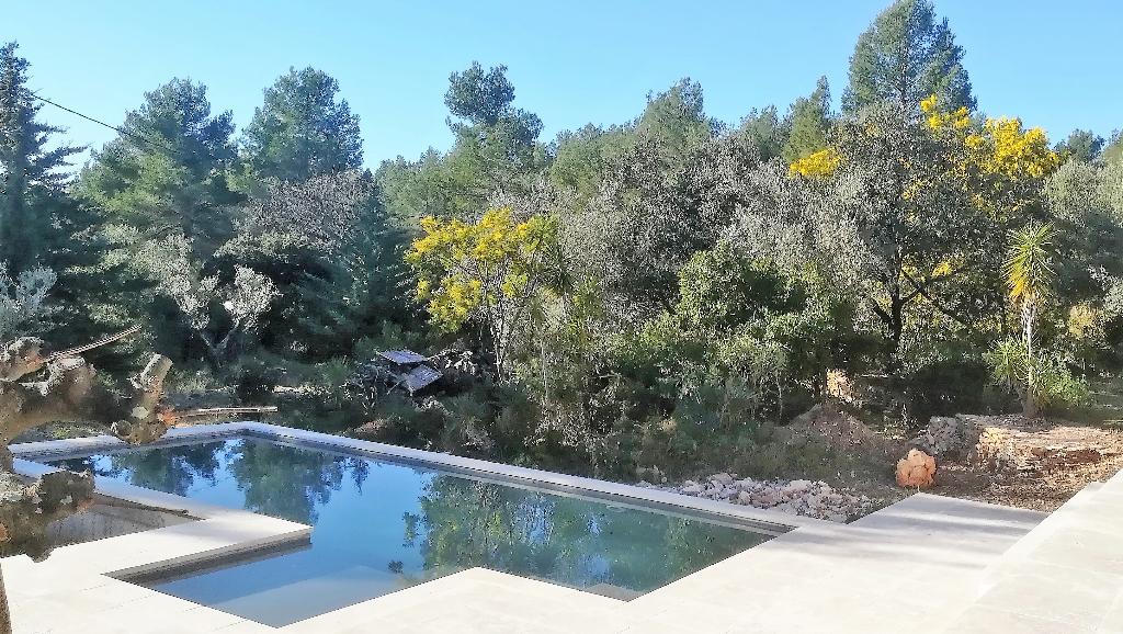 La Cadière d'Azur, belle maison rénovée à moins de 20 minutes des plages de Bandol