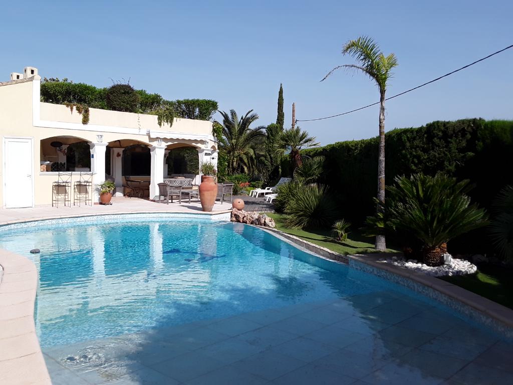 Villa Piscine 7 pièce(s) 195 m2