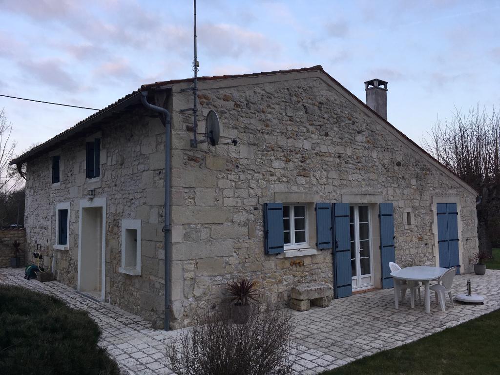 Maison Saintes 4 pièce(s) 170 m2