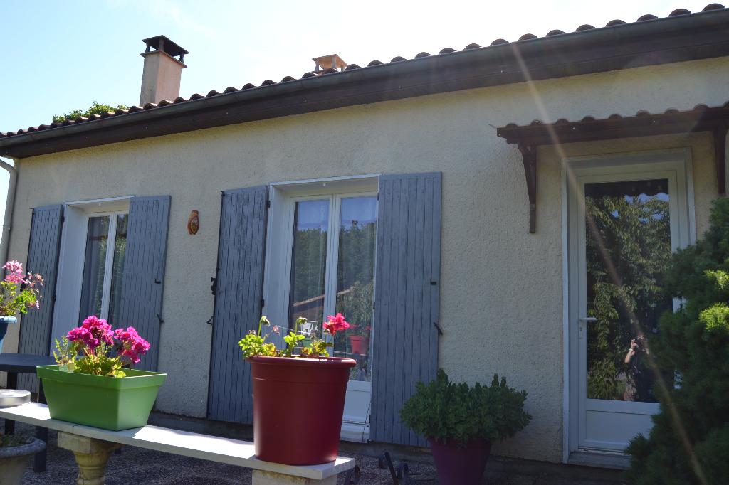 Maison de plain-pied à Le Douhet (17)