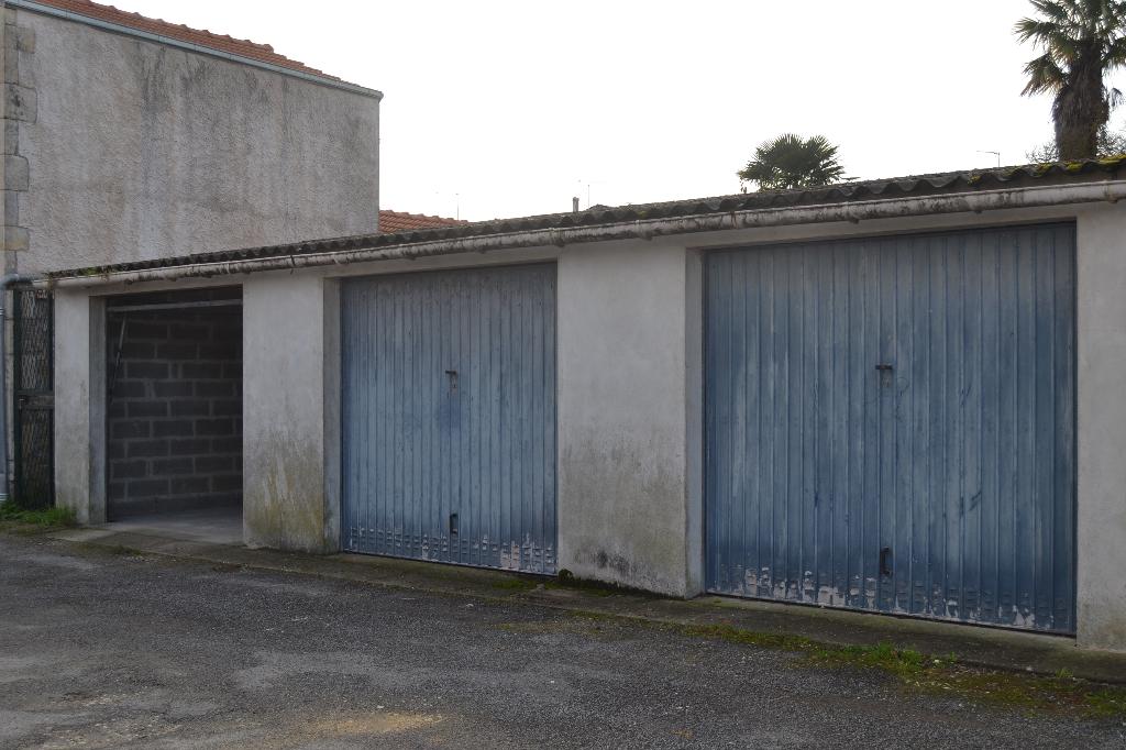 Garage à Saintes (17) rive droite