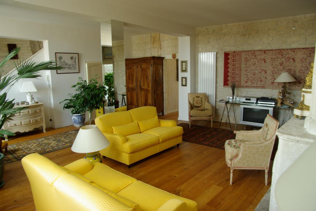 Appartement à Saintes rive gauche (17)
