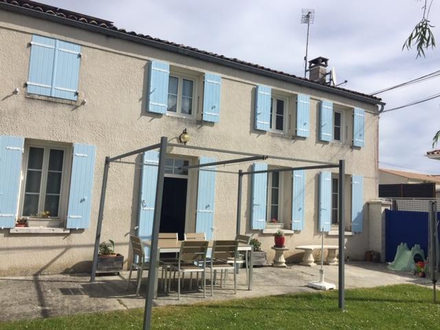Maison charentaise rénovée aux portes de Saintes (17)