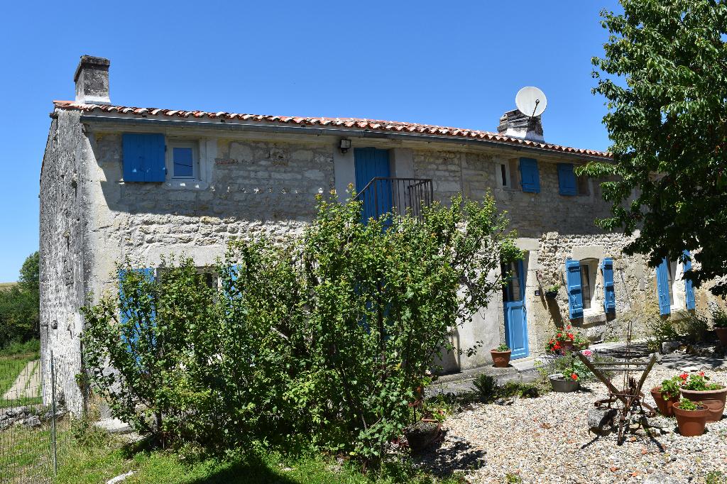 Maison charentaise à Saint Savinien (17)