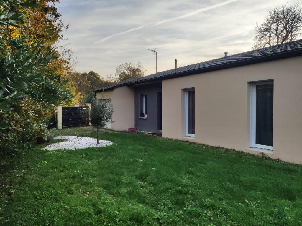 Maison neuve de plain pied à Archingeay (17)