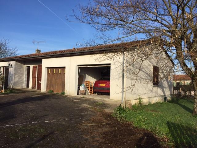 Maison de plain pied à Saint Hilaire De Villefranche (17)