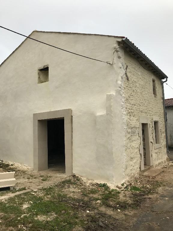 Maison à rénover à Ecurat (17)