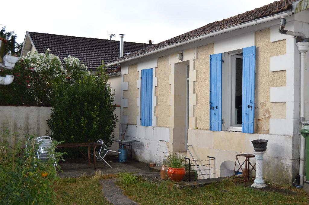 Maison de plain pied à Saintes (17) rive gauche