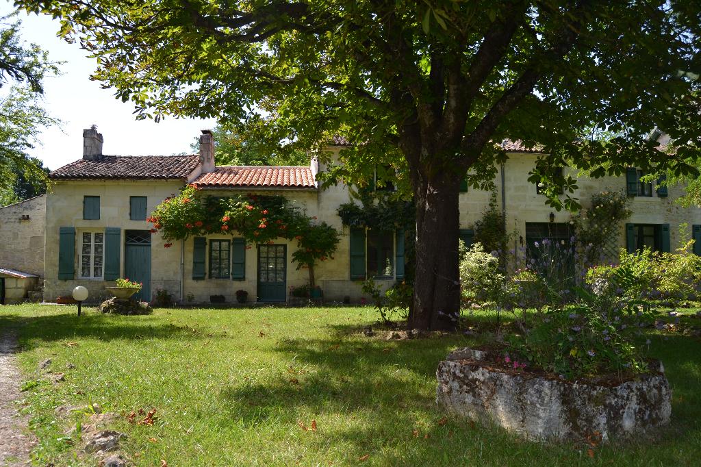 Maison chrentaise à Thénac (17)