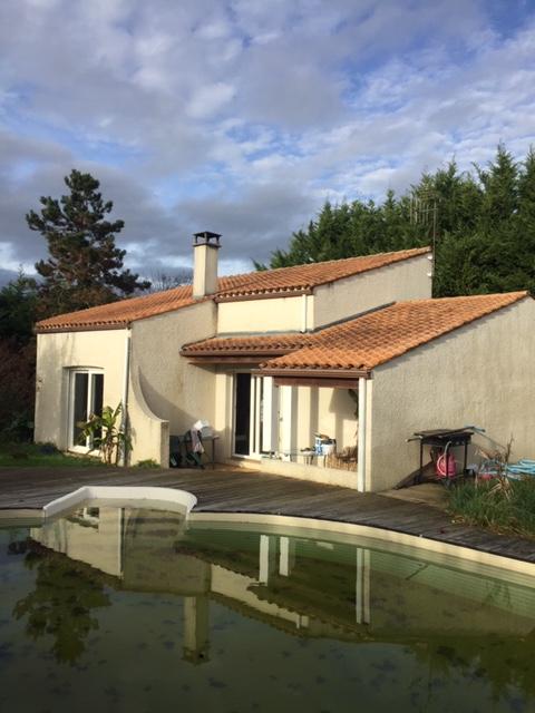 Maison à Ecoyeux (17) avec piscine