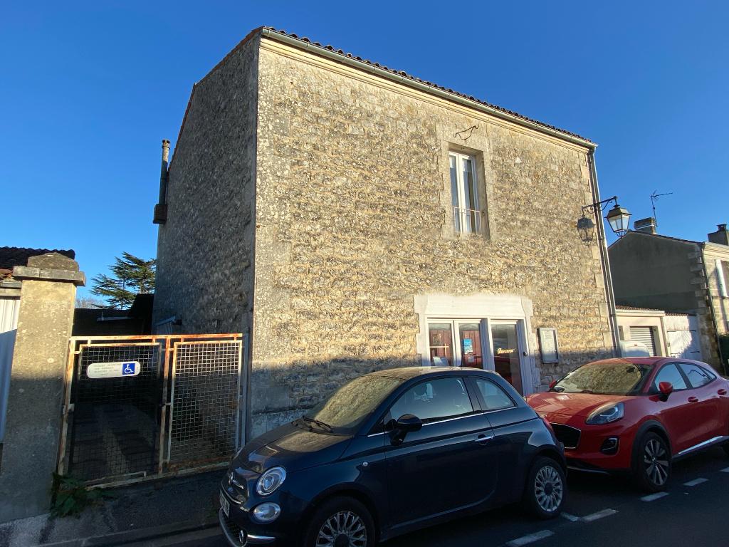 EXCLUSIVITE-Maison à Saintes (17)