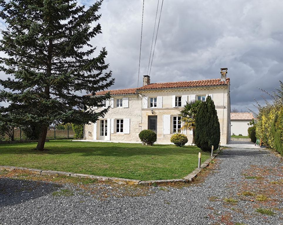 EXCLUSIVITE- Maison charentaise à Les Gonds (17)