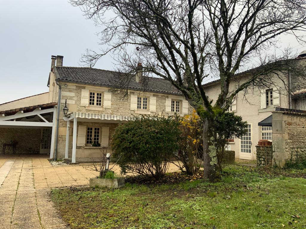 Maison de caractère à Cognac (16)