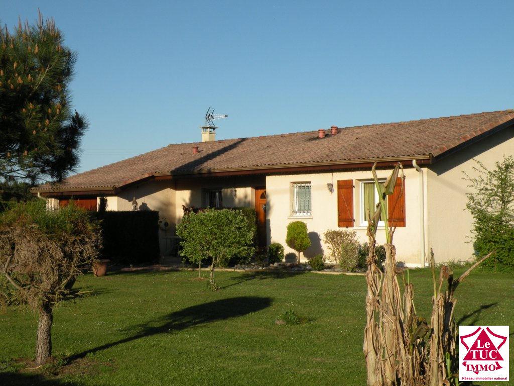 REIGNAC Maison plain pied 110 m² sur 15 000 m²