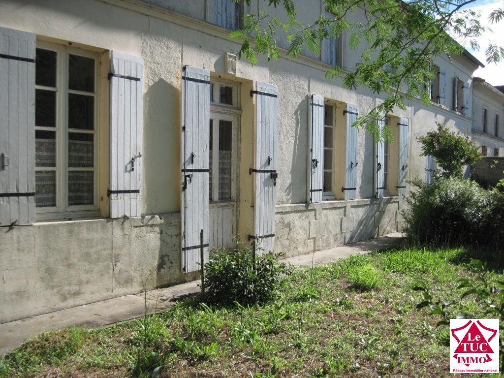 REIGNAC  Bien immobilier: 100 m² + 85 m² sur 5 700 m²