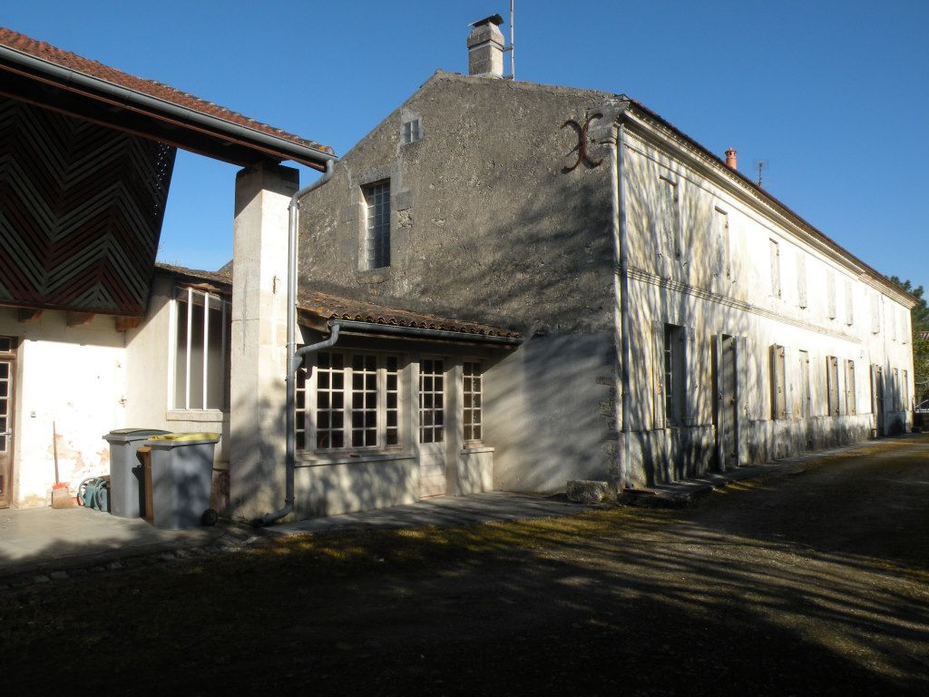 CARTELEGUE  Maison 280 m²  avec dépendances sur 2 650 m²