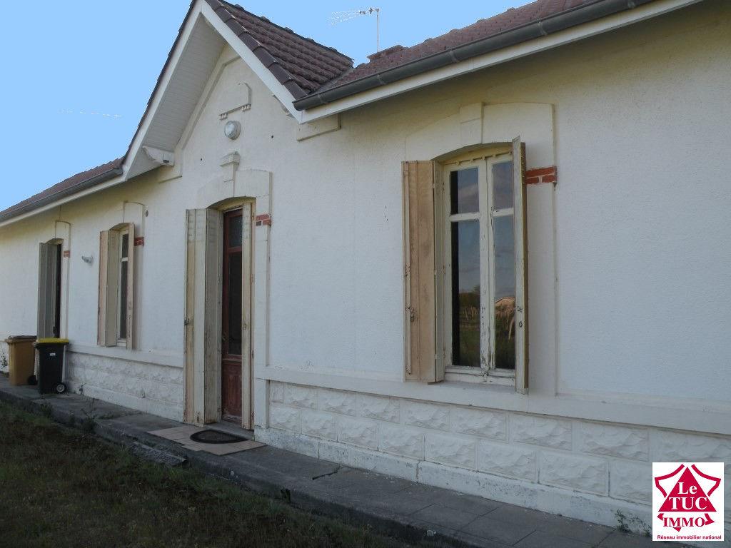 REIGNAC Maison plain pied 85 m² sur 850 m²