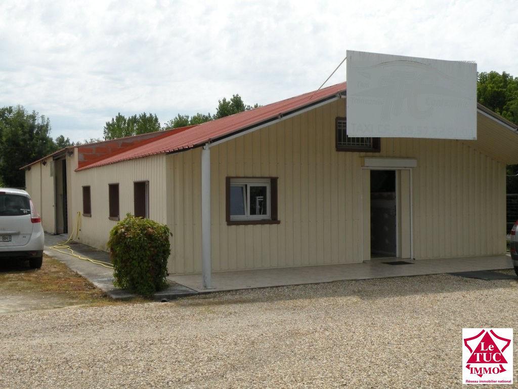 CARTELEGUE Ensemble de trois batiments  320 m² sur 1 161 m²