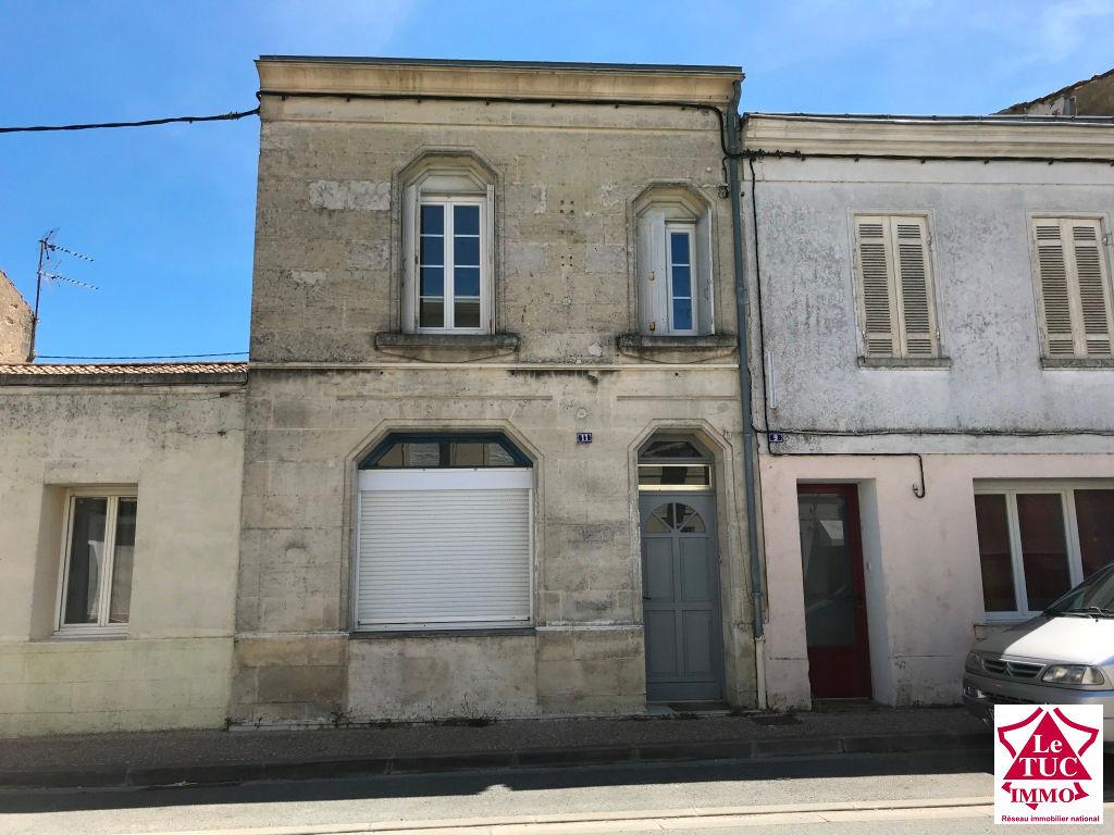 REIGNAC Maison  en pierres 105 m² avec cour