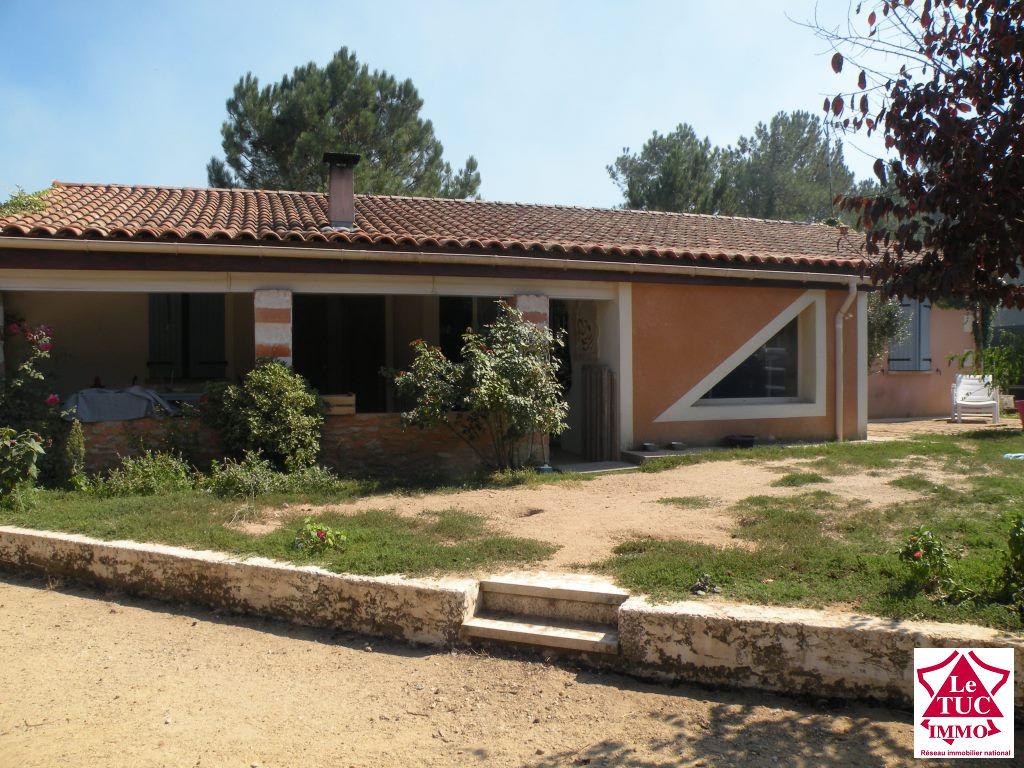 ST AUBIN DE BLAYE Maison  140 m²  4 chambres sur 2 650 m²