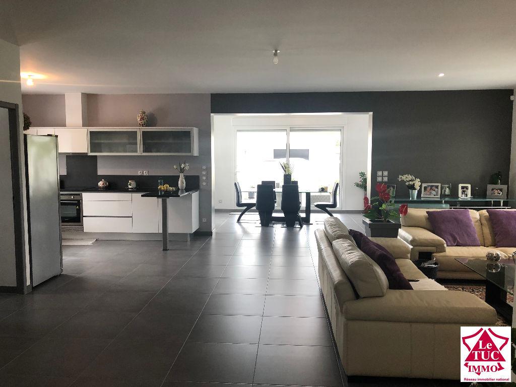 Maison plain-pied 135 m² centre ville de Saint Savin