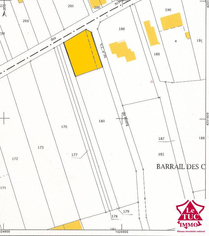 REIGNAC Terrain à bâtir d'environ 800 m²