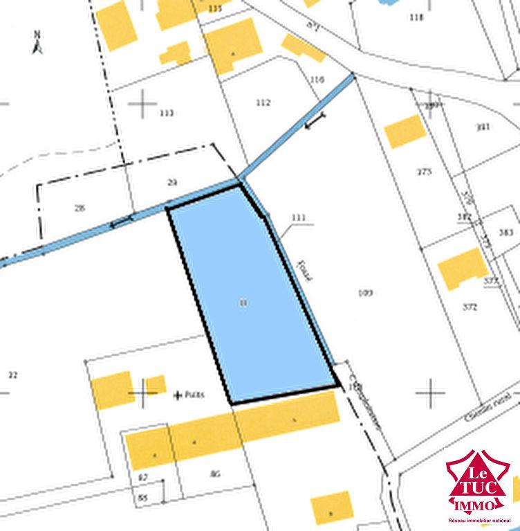 ST CAPRAIS DE BLAYE Terrain à bâtir de 2 244 m²