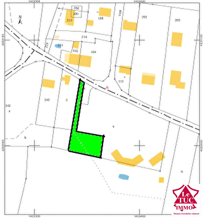 REIGNAC Terrain à bâtir de 842 m²