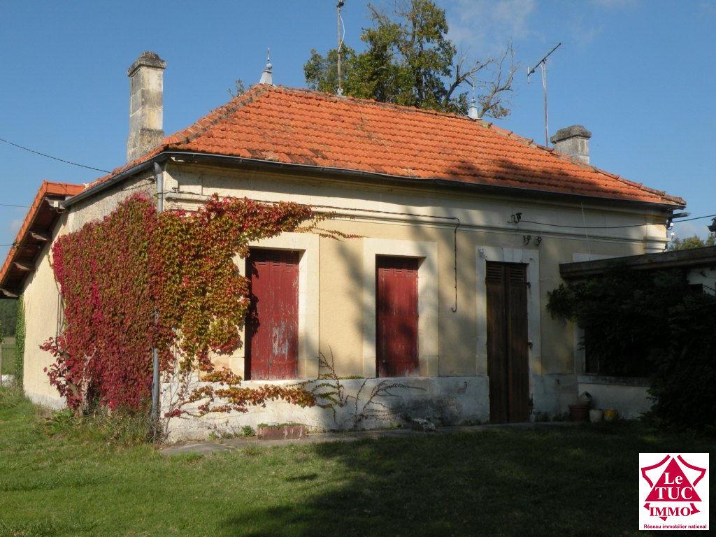 REIGNAC Maison 175 m²  sur 3 430 m² clos et arboré à Reignac