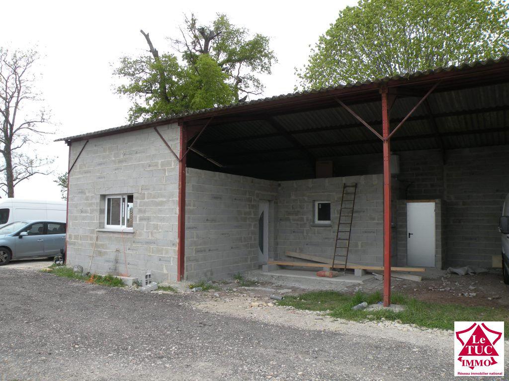 REIGNAC Maison  en cours de constructionsur environ 1 000 m²