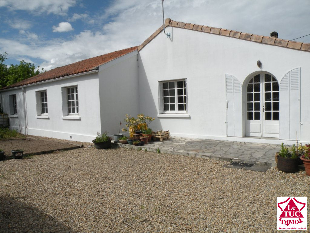 SAINT CIERS/GIRONDE Maison 140 m² 4 chambres sur 747 m²