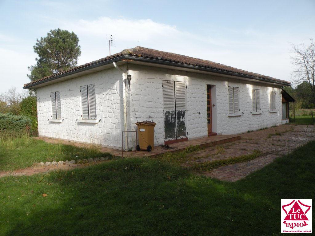 REIGNAC Maison plain pied 98 m² sur 3 248 m²