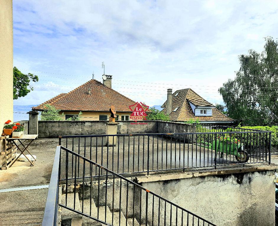 Lugrin T2  à rénover 48 m2, dans maison, avec terrasse et 85m2 de dépendances