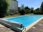 Lot et Garonne, Monflanquin 47150 Maison de Maître avec piscine et 3 Granges, potential gîte 4/18